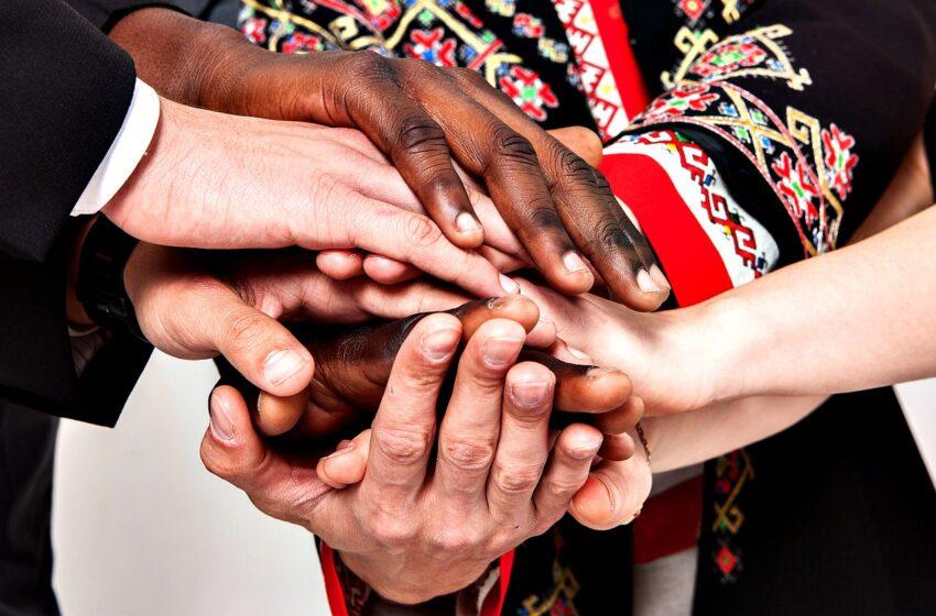 Mengaplikasikan Rahmah (Kasih Sayang) dalam Keberagaman dan Keberagamaan